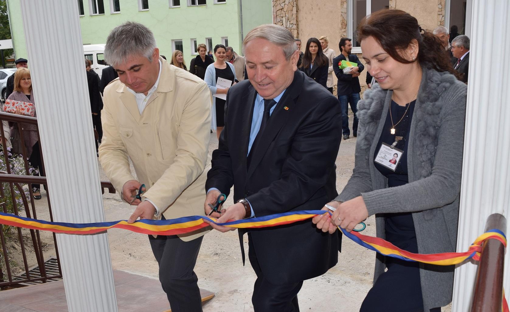 Ziua Mondiala a Sanatatii Mintale. Inaugurarea CCSM Orhei (2)